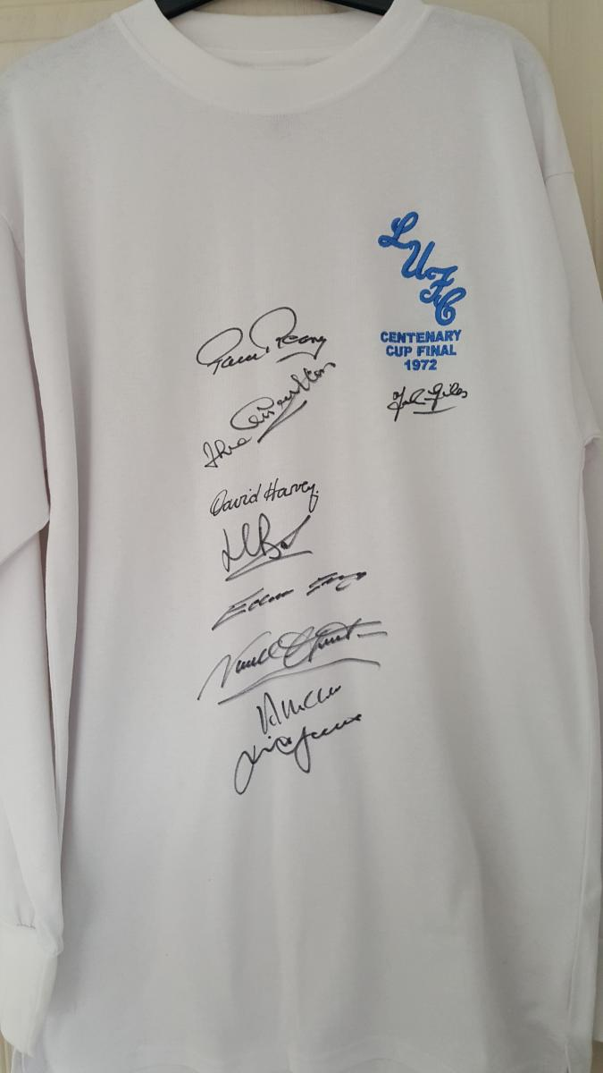 Waccoe.com - Crimbo raffle with all proceeds to the Toby fund  - Win signed 1972 shirt plus other prizes  £1,200 raised so far